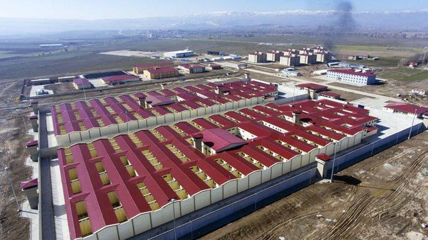 İktidarın en büyük yatırımı cezaevleri