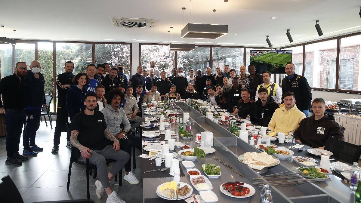 Fenerbahçe barbekü partisi ile stres attı