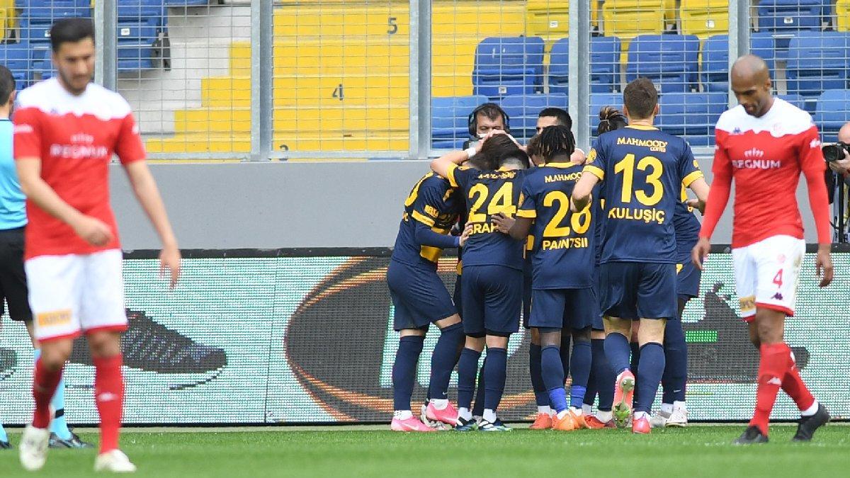 Ankaragücü'nde var bir Hikmet! Antalyaspor'u da devirdi...