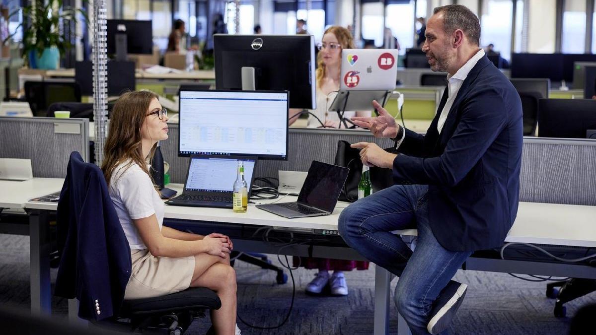 Coronayı yenen Avustralya'da ofise dönüş başladı: İşte yeni çalışma düzeni