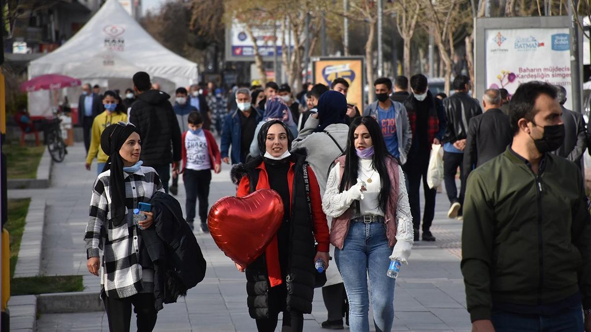 Günlük vaka sayısında korkutan tablo! Türkiye Avrupa'da birinci, dünyada ikinci oldu