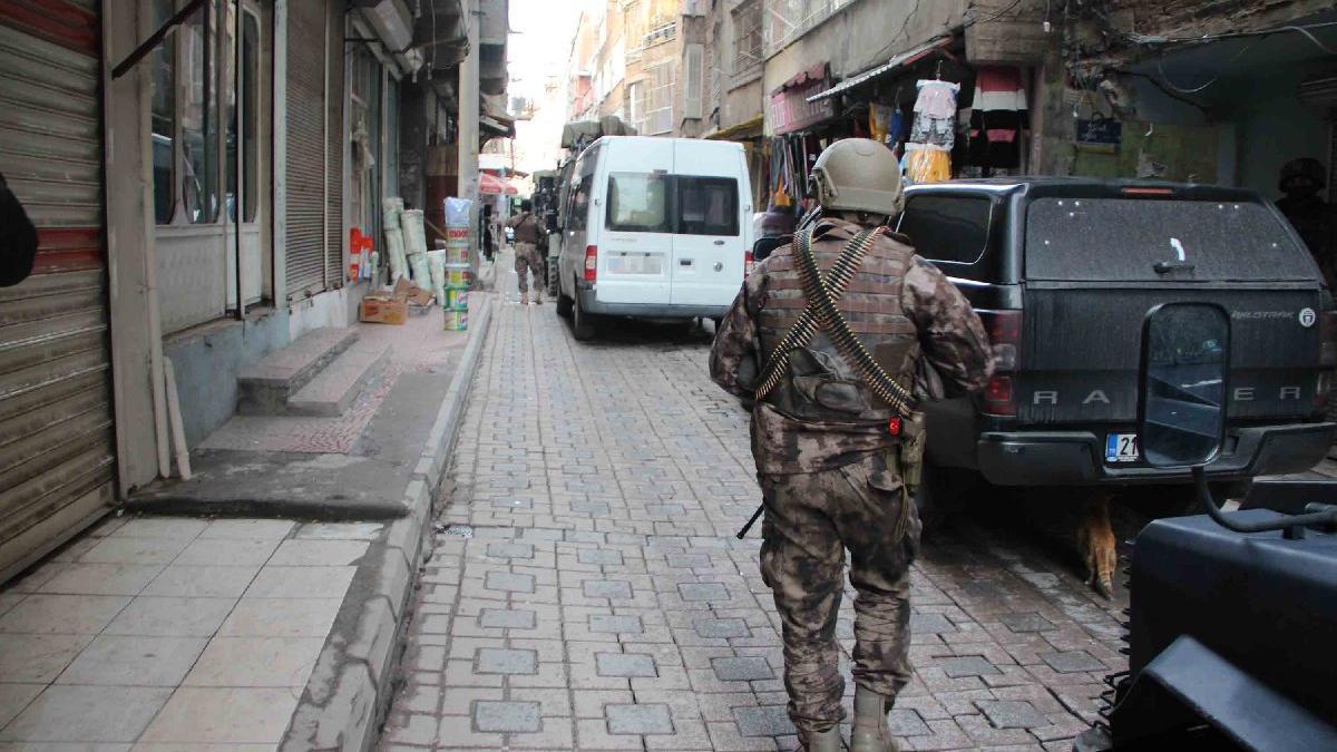 PKK'nın kadın yapılanmasına operasyon: 22 gözaltı