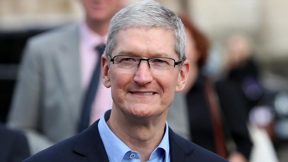 Apple CEO'su: Tesla'ya hayranım