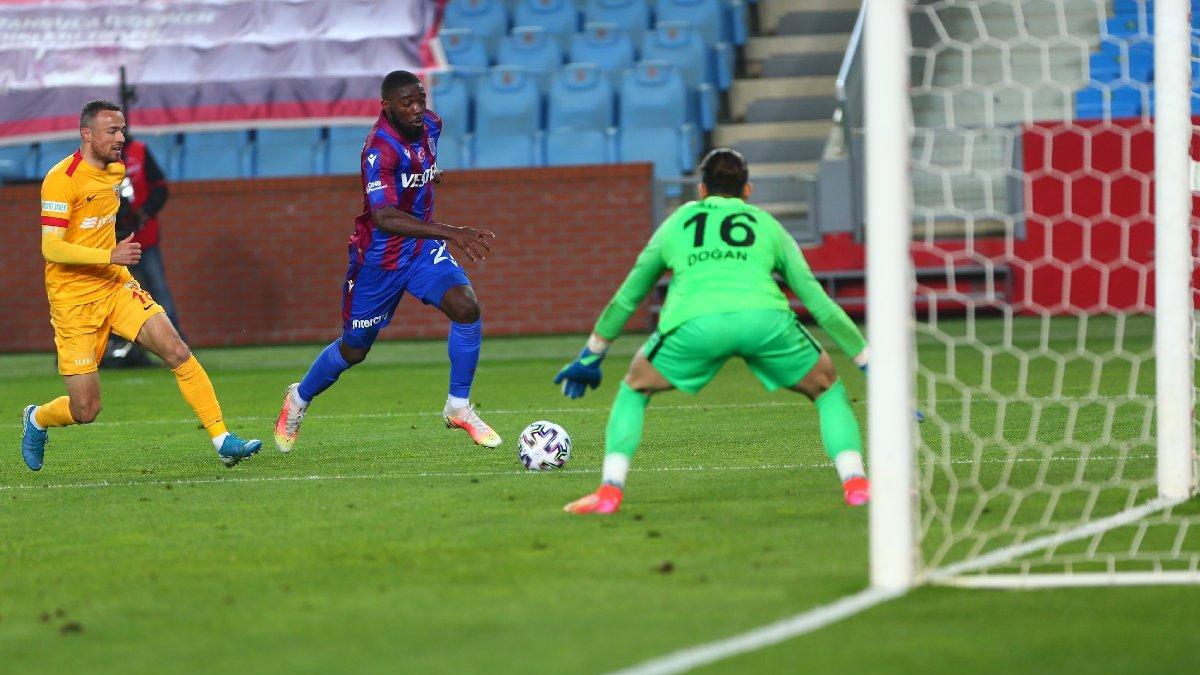 Trabzonspor direkleri geçemedi, Kayserispor'u Doğan Alemdar kurtardı: 1-1