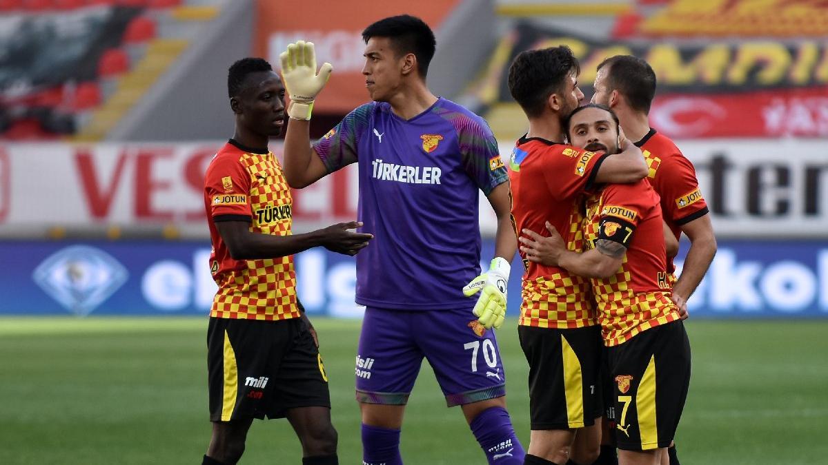 Göztepe rahat kazandı, Rizespor Bülent Uygun'la ilk kez kaybetti: 2-0