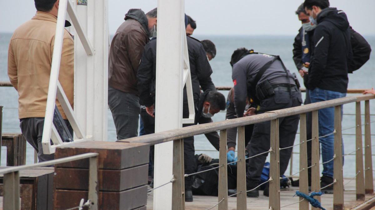 Balıkçı oltasına 'ceset' takıldı