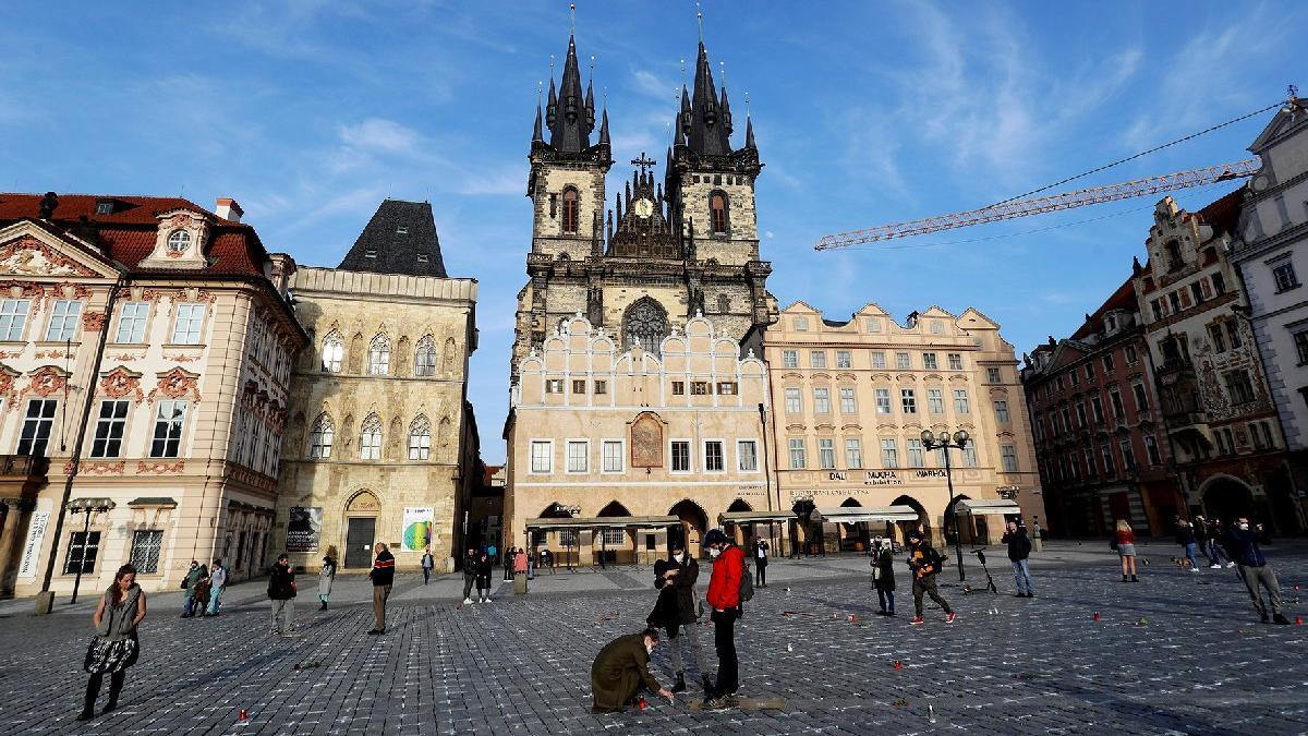 Çekya'da corona kısıtlamaları gevşetiliyor