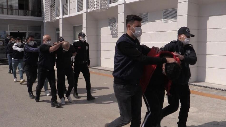 Silahlı suç örgütüne operasyon: 15 gözaltı