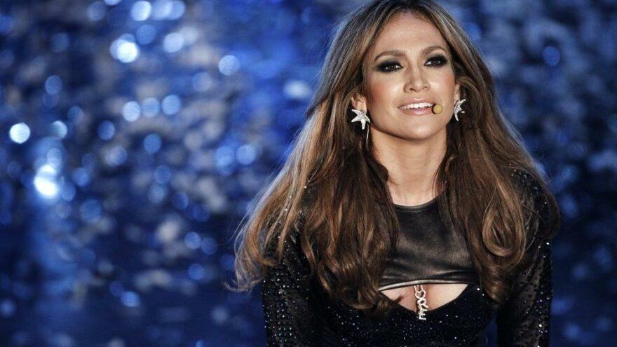 Ünlü yıldız J.Lo isminin perde arkasını anlattı