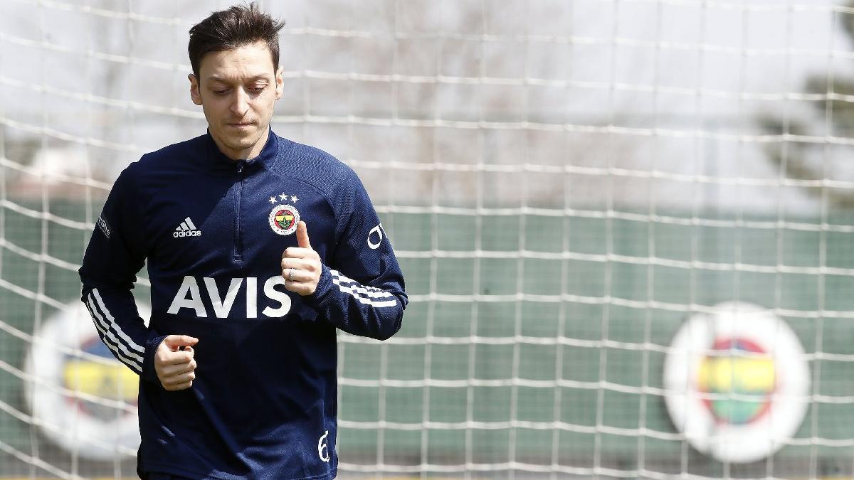 Mesut Özil'den Fenerbahçe'ye müjde! Emre Belözoğlu'nun planı...