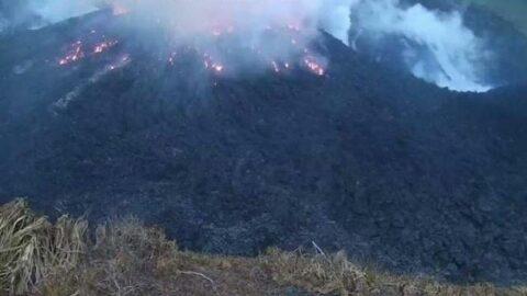 La Soufriere Yanardağı tahliye çalışmaları sürerken patladı
