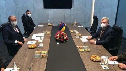 Bakan Akar, Ukraynalı mevkidaşı ile görüştü