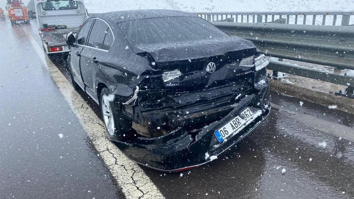 AKP'li vekil trafik kazası geçirdi