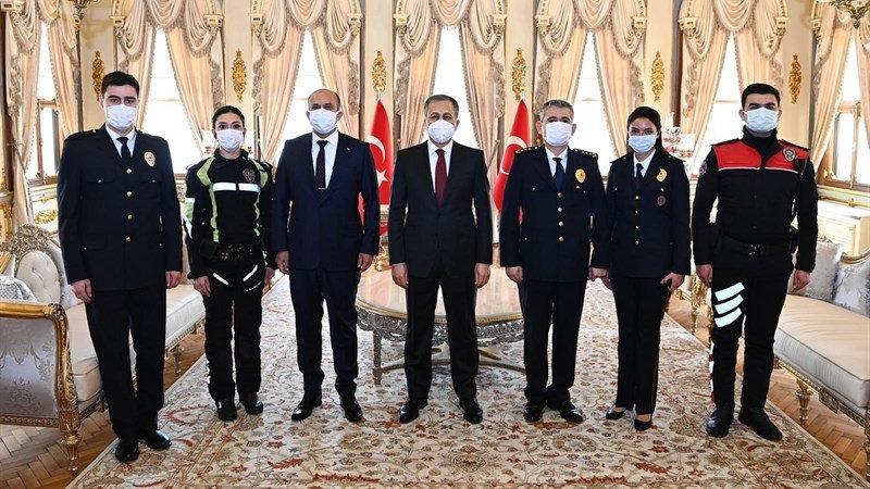 İstanbul Valisi Yerlikaya, emniyetin Polis Haftası'nı kutladı