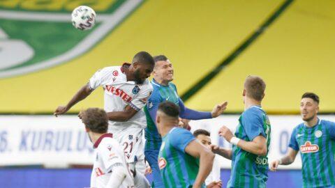 Karadeniz derbisinde gol de yok kazanan da! Trabzonspor Rizespor ile yenişemedi...
