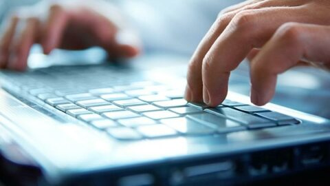 CHP'li Onursal Adıgüzel'den internet fiyatlarına tepki