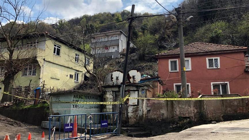 Heyelan sonrası mühürlenen evlerde yaşayan ailelere 2 ay önce boşaltılması için tebligat gitmiş