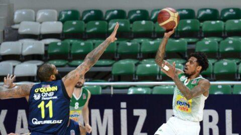 Frutti Extra Bursaspor, nefes kesen maçta Fenerbahçe Beko'yu devirdi