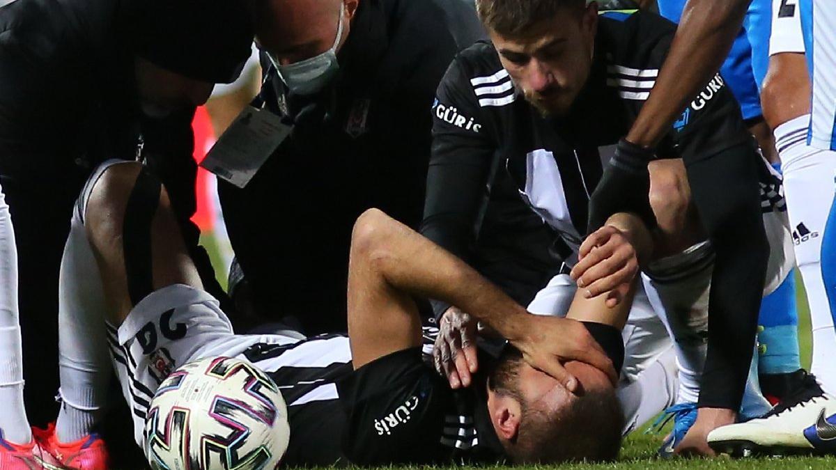 Beşiktaş'ta Cenk Tosun'un talihsiz sakatlığı! Sezonu kapattı