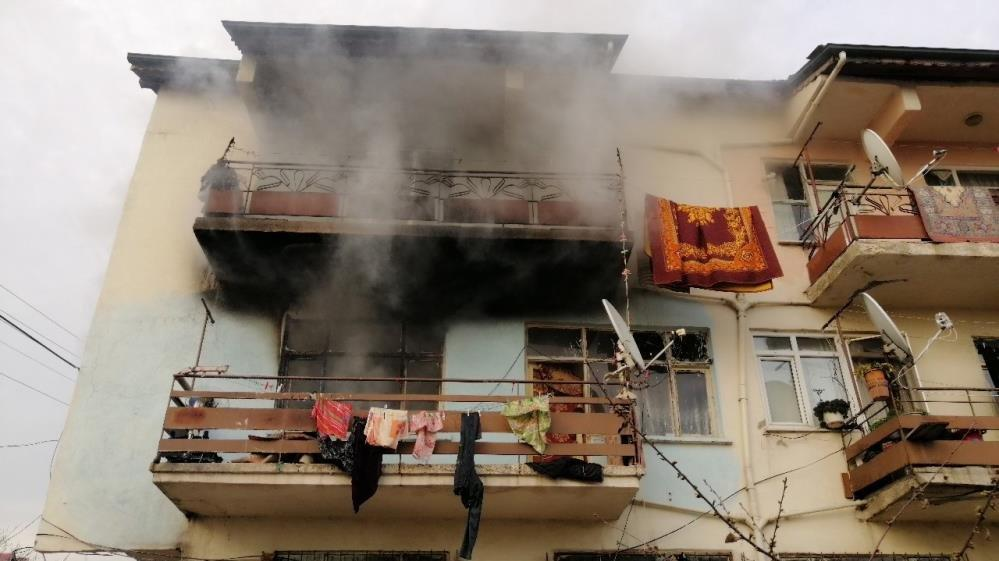 Evde çıkan yangın sonu oldu