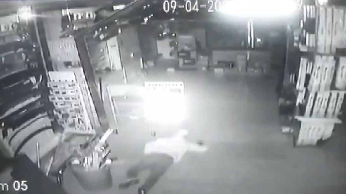 İstanbul'da 'sürüngen hırsızlar' kamerada