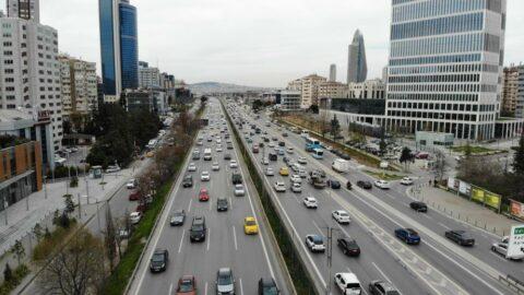 İstanbul'da ilk iftar öncesi trafik yoğunluğu