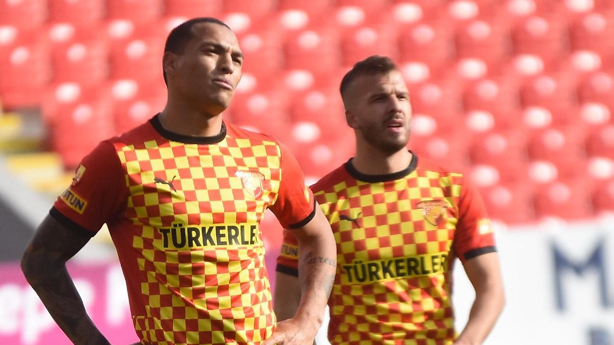Göztepeli Titi, Galatasaray maçı öncesi sözleşmesini feshetti