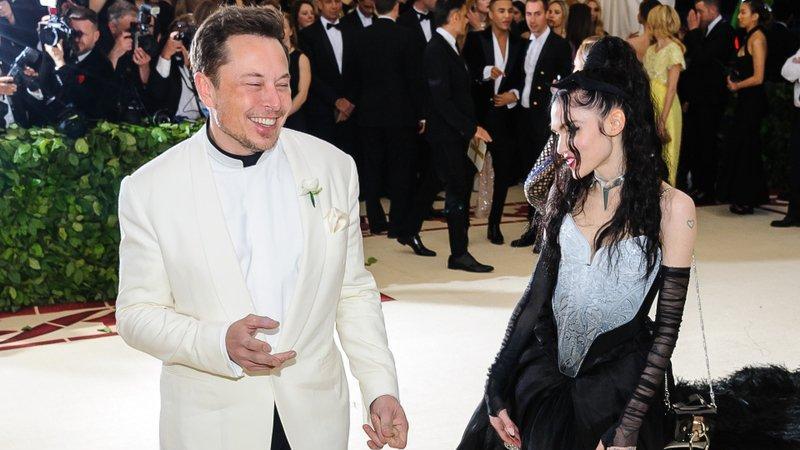 Elon Musk'ın sevgilisi Grimes bu kareyle gündem oldu