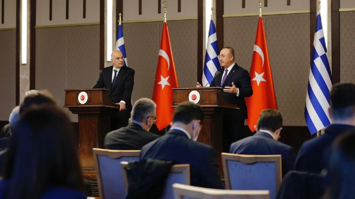 Çavuşoğlu-Dendias toplantısında büyük kriz!