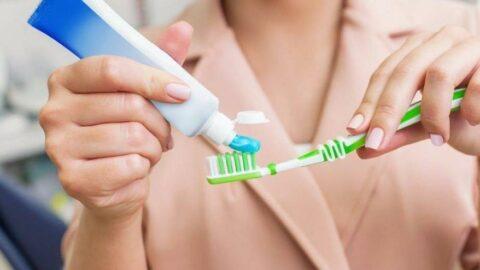Diş fırçalamak orucu bozar mı? Ramazan'da ağız kokusu nasıl önlenir?