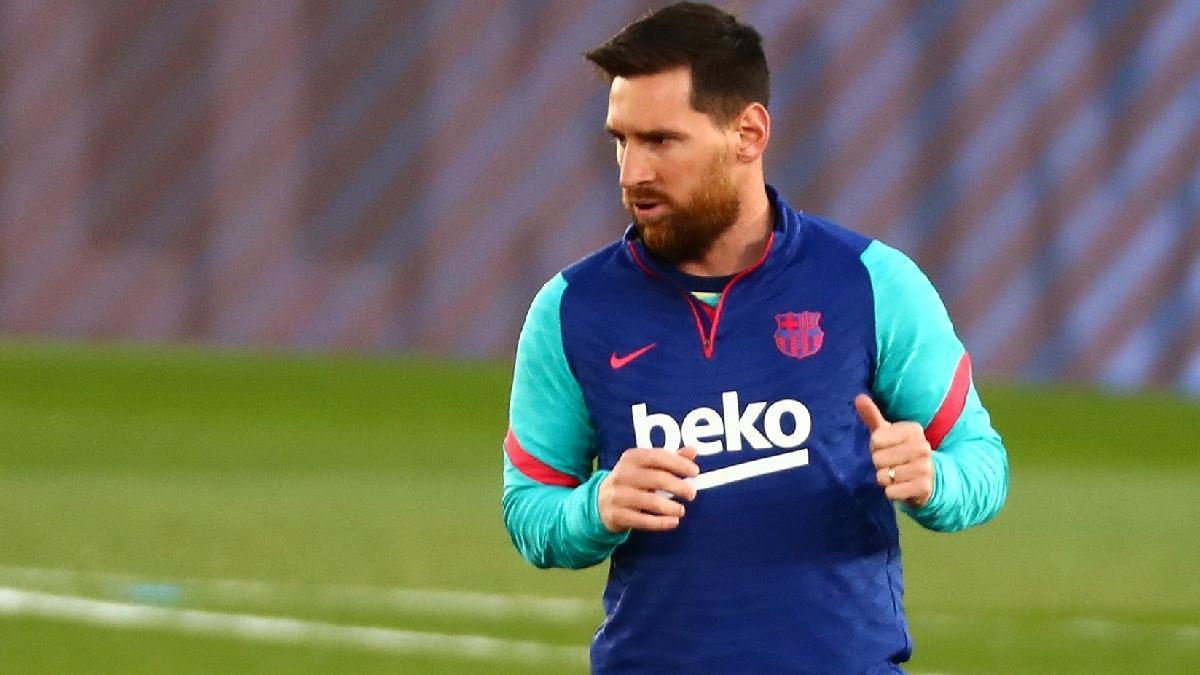 Lionel Messi, Covid aşısı krizini 3 imzalı formayla çözdü!