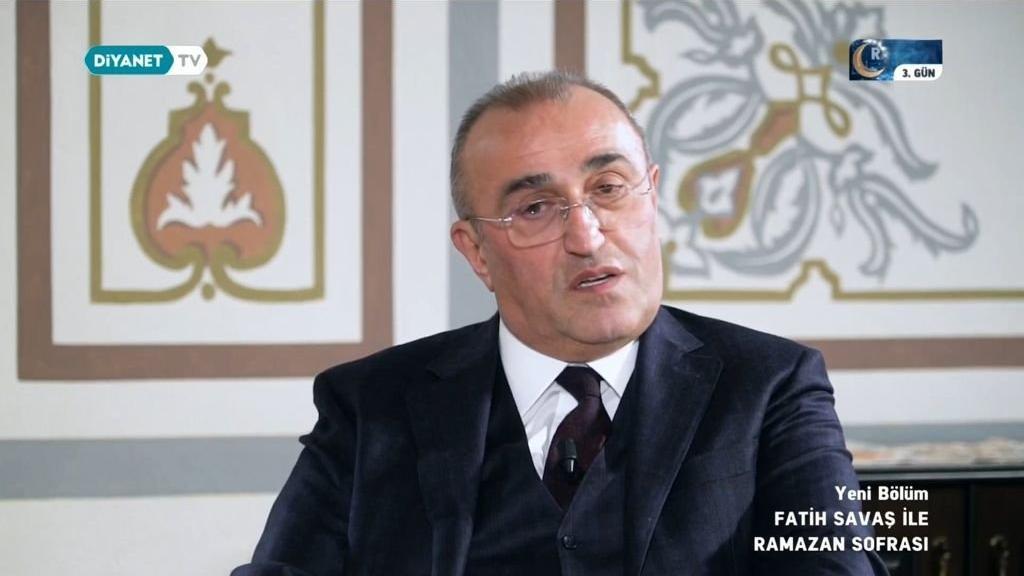Abdurrahim Albayrak Diyanet TV'ye konuştu: 'Şimdiki kadınlara bakıyorum...'