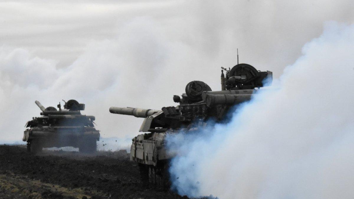 Rusya-Ukrayna krizi büyüyor! Rusya, Kırım'a askeri birliklerini gönderdi