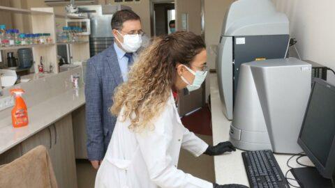 Akdeniz Üniversitesi'nde corona virüse karşı ilaç geliştirildi