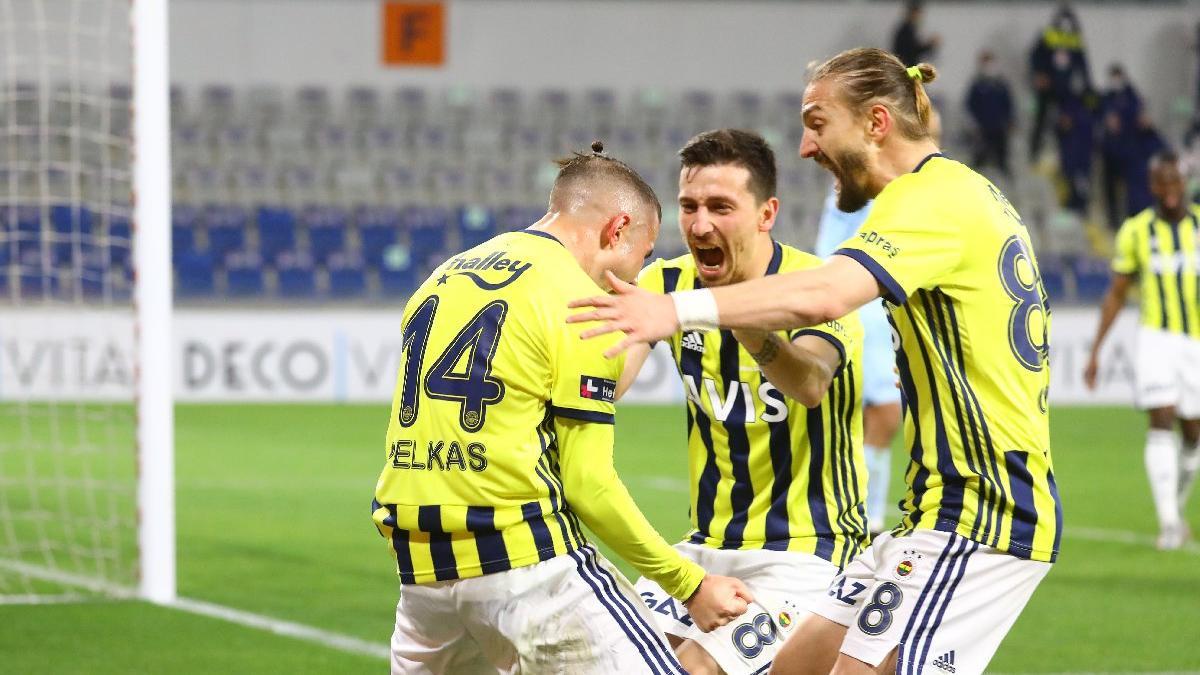 Fenerbahçe Başakşehir'de müthiş bir galibiyet aldı! 3 puanı Harun kurtardı...