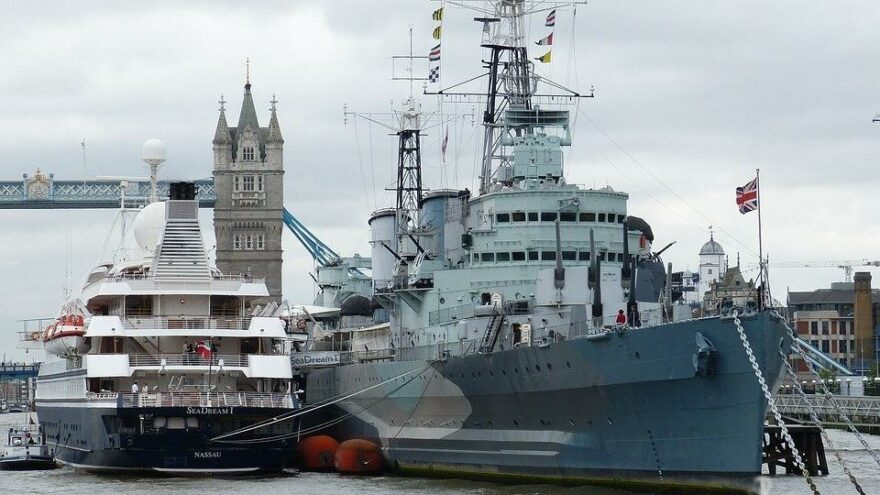 İngiltere de Karadeniz'e savaş gemisi yolluyor