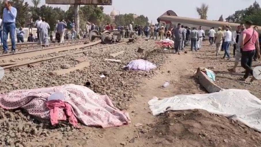 Mısır'da tren raydan çıktı!