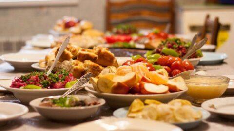 Diyetisyenden iftar ve sahur için önemli beslenme tavsiyeleri