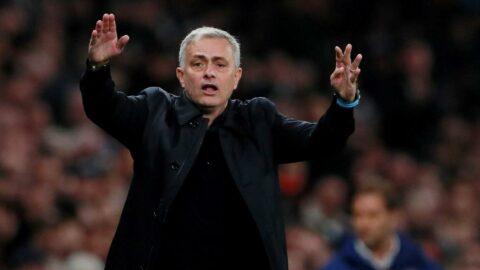Tottenham, Jose Mourinho'yu kovdu