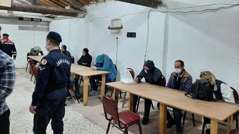 Tavuk çiftliğinden kumarbazlar çıktı: 237 bin lira ceza