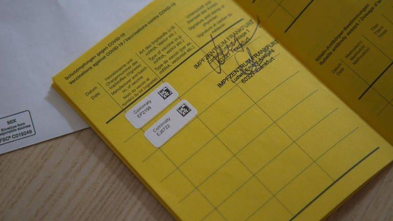 Avrupa'da corona virüsü aşısı pasaportu şaşkınlığı: 1450 TL'ye sahtesi çıktı