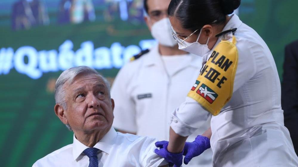 Meksika Devlet Başkanı Obrador, AstraZeneca aşısı oldu