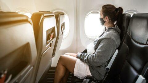 Uçaktaki 49 kişide corona virüsü tespit edildi