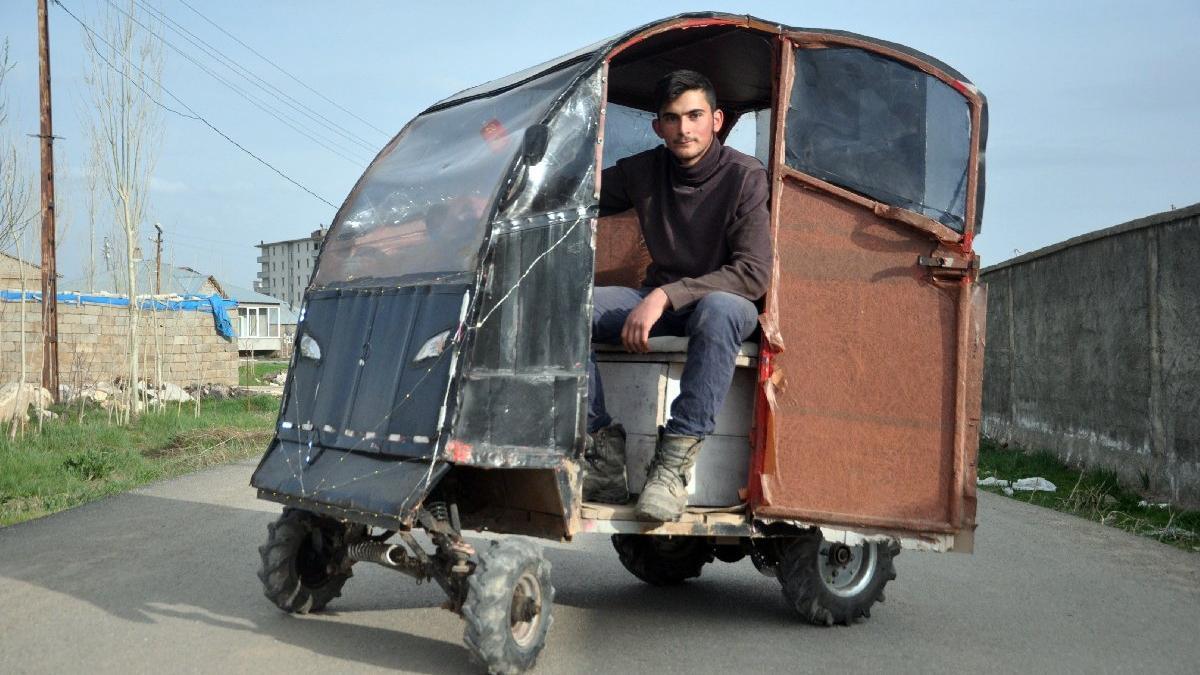 Yusuf ve Musa çöpten elektrikli otomobil yaptı