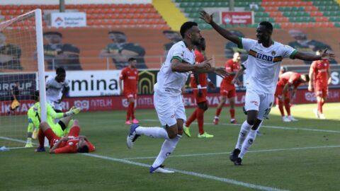 Duran topla 'Uçan' Alanya, Gaziantep FK'yı devirdi: 3-2