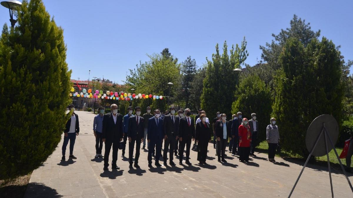 Denizli'de vali törene katılmadı, Diyarbakır'da resmi kutlama yapılmadı