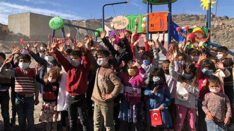 Köy çocuklarının oyun hakkına kavuşması için