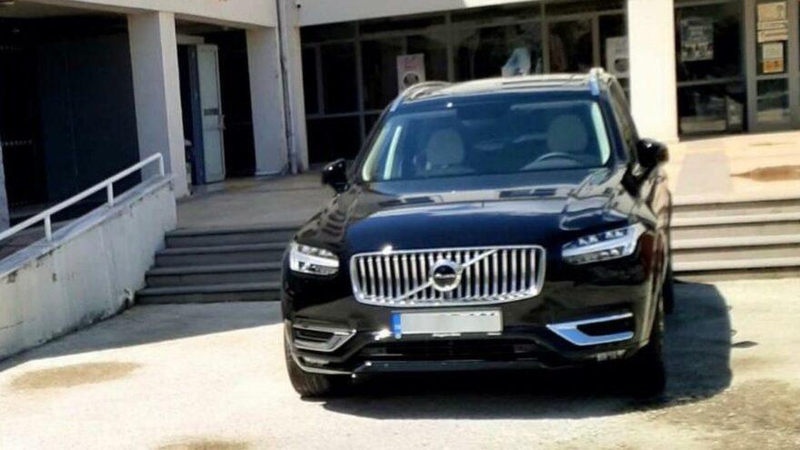 MHP'li Belediye 'İtfaiye öncü aracını' makam aracı yaptı