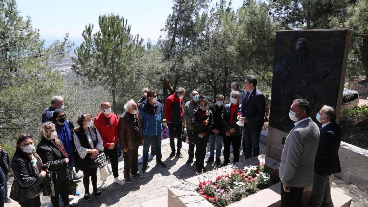 Halk ozanı Ali Ekber Çiçek mezarı başında anıldı