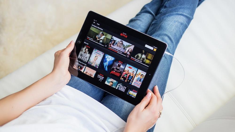 Dünya bunu tartışıyor: Netflix izlemek doğaya zarar veriyor
